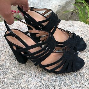 Size 7 1/2 Halogen Black sandals